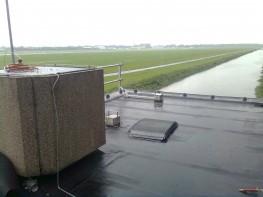 Baanstation 2 met uitzicht op de landingsbanen